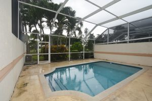 Screened in private pool !
